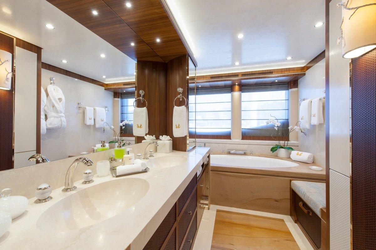 Klaus Jordan  Yacht Inside Bathroom