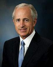 File-Bob_Corker,_official_Senate_photo,_09-21-07