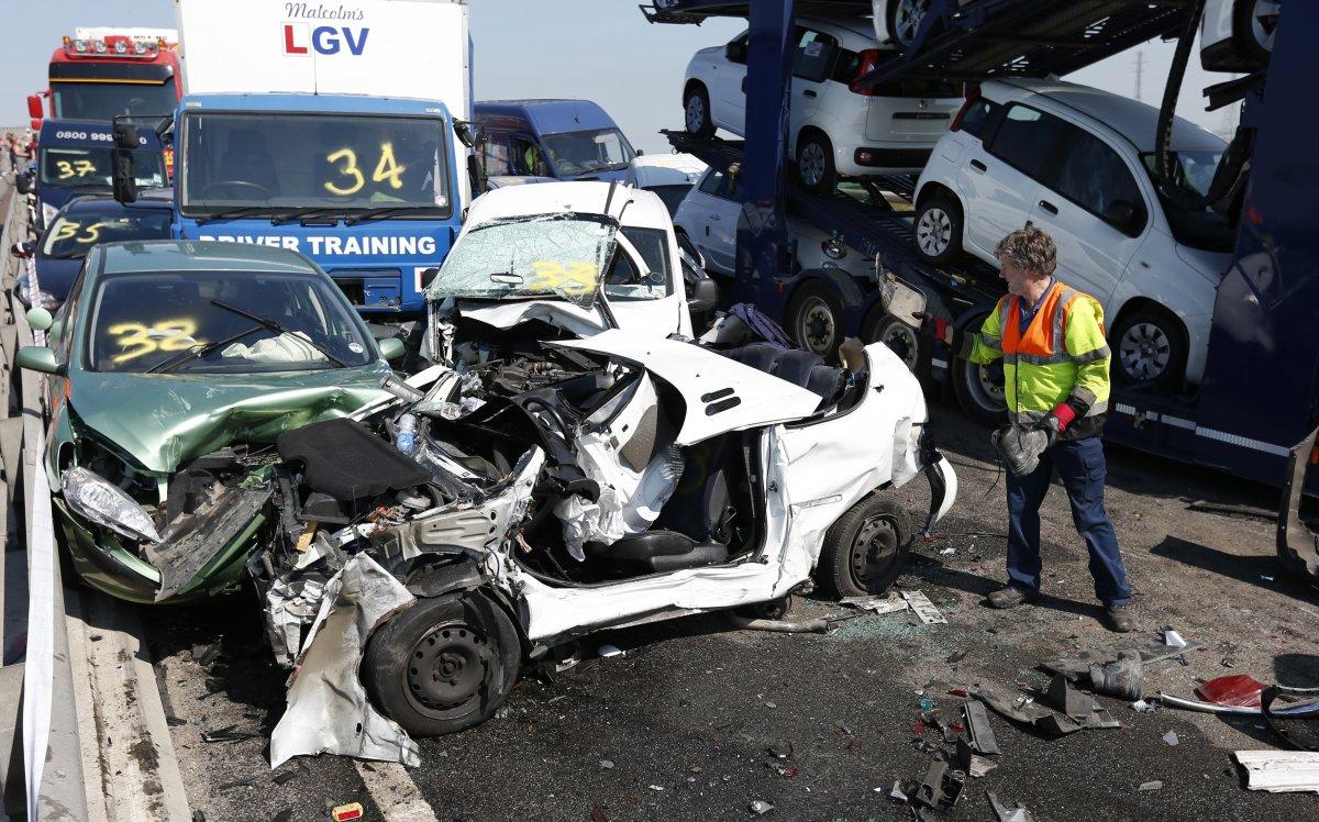 100 cars crash in massive pileup in britain photos www