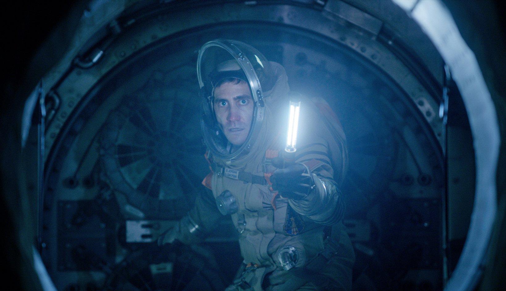 life science fiction alien horror movie sony pictures jake gyllenhaal 3