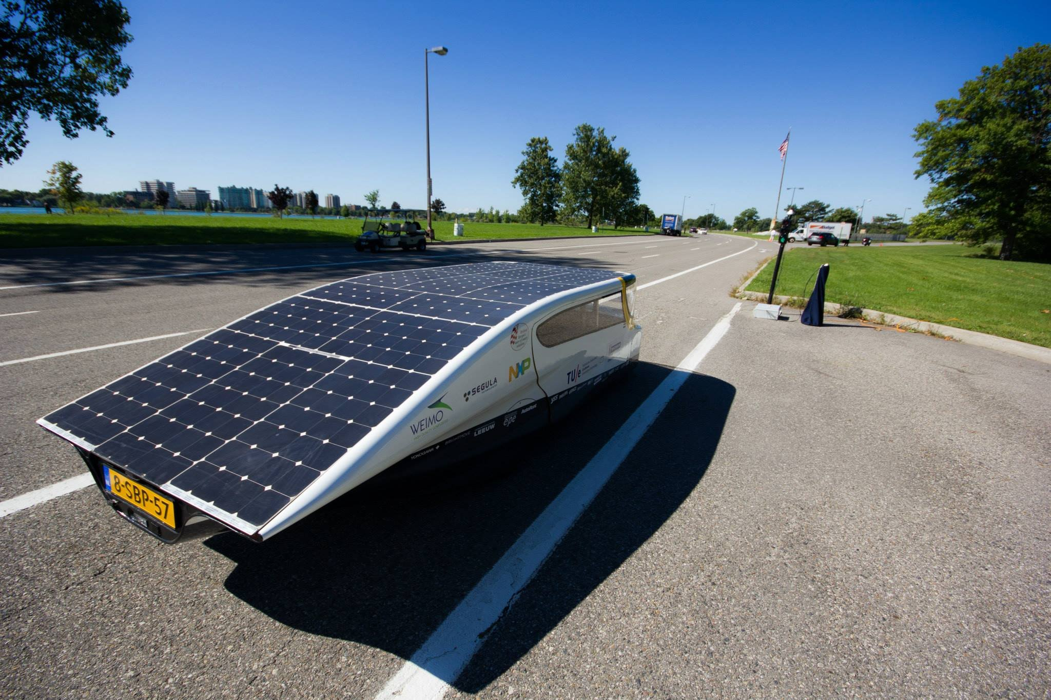 solar power cars You can build your own solar powered cars and race them just like in the gm solar car sunrayce main activity build a custom-designed vehicle propelled by photovoltaic cells materials: 4 small solar cells small 1 1/2 volt motor propeller 1.