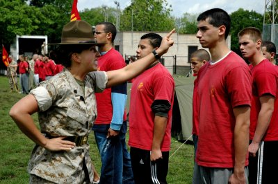29 Awesome Images Of Marine Drill Instructors Screaming In