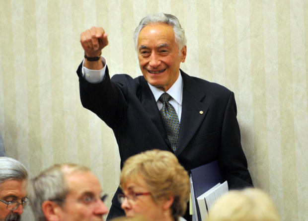 mel hurtig In victoria on may 21, 2008 in support of his latest book, the truth about canada, canada's premier nationalist dishes the dirt on the media, corporate cor.