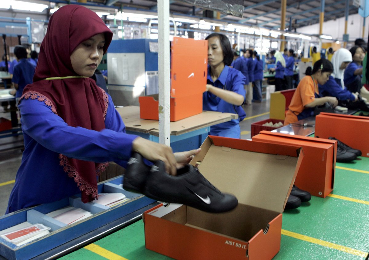 an analysis of the nike sweat shops and the concept of the labor practices in asia Nike from sweat shops to leadership in employment practices nike from sweat shops to 33 industry analysis 34 trouble ahead for nike 35 nike.
