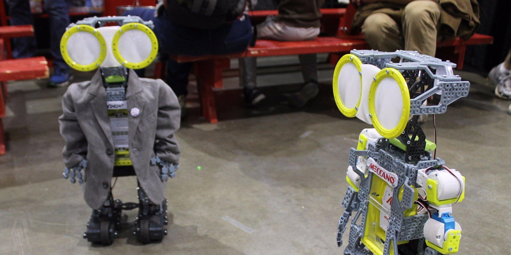 essay on robot Contents introduction 1 what are robots advanteges and di̇sadvantages 1 advantages 1 di̇sadvantages 3 the future of robots 3 what can robots do 5 conclusion 5 references 6 roboti̇cs introduction.
