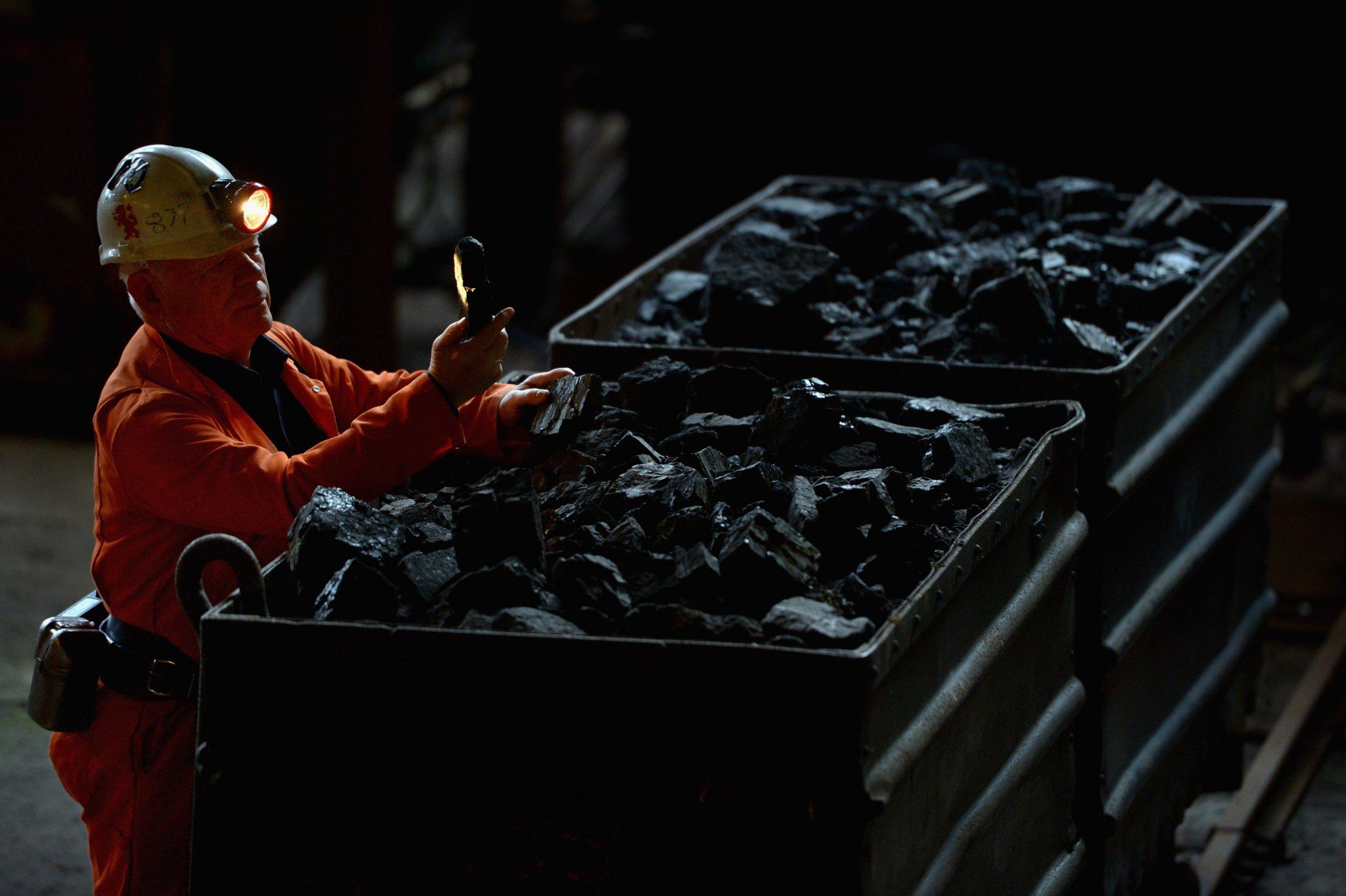 coal miner mining