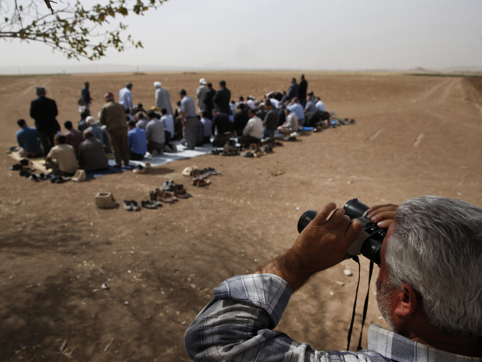 Kurds surrounded by ISIS militants risk running out of ...