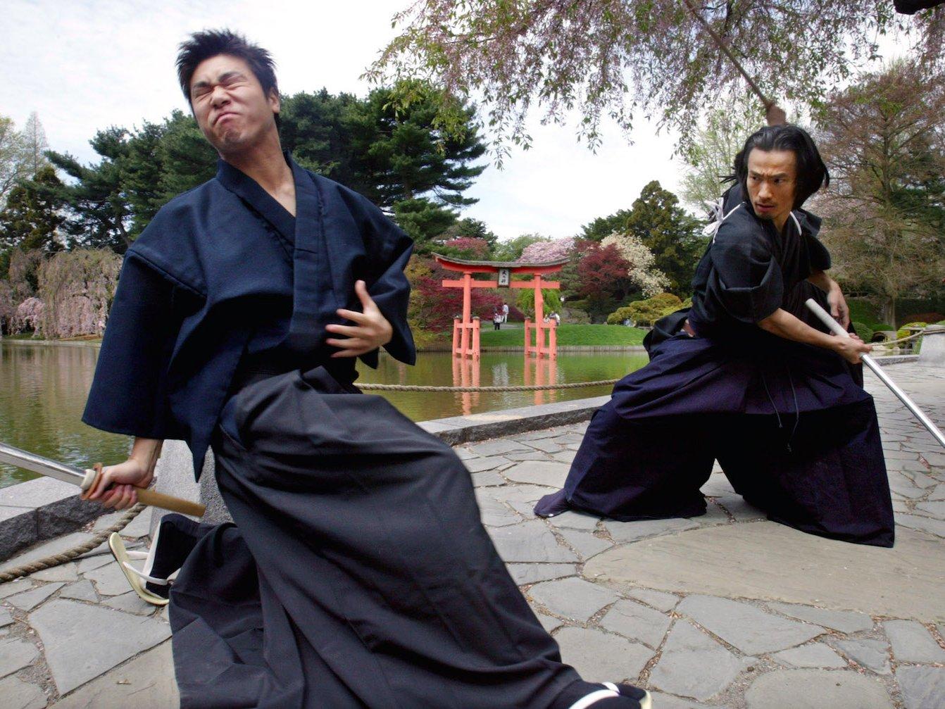 Samurai Sword Fight Play