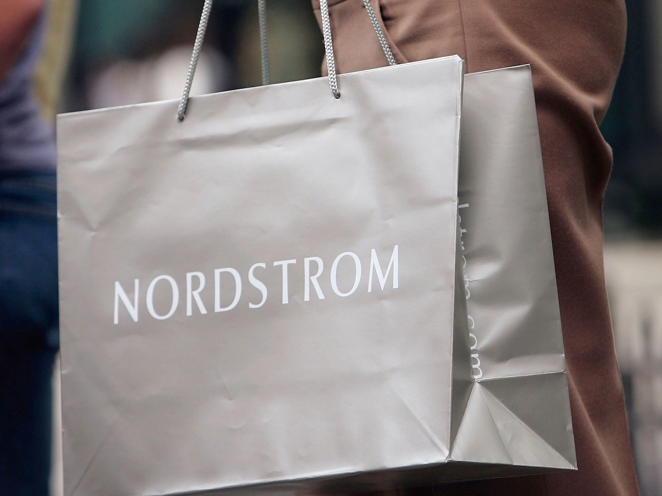 how nordstrom bests its retail rivals Is nordstrom the next acquisition target for walmart or of the factors vexing its rivals in its nordstrom is absolutely by far the best at outlet.