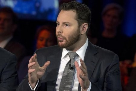 Entrepreneur Sean Parker, founder of Napster, takes part in a panel during the Clinton Global Initiative's annual meeting in New York, September 29, 2015.  REUTERS/Brendan McDermid