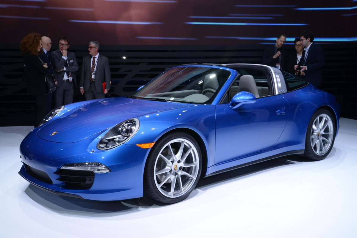 Porsche Showed Off The New 911 Targa 4 And 4s Ful Sports Cars That Start